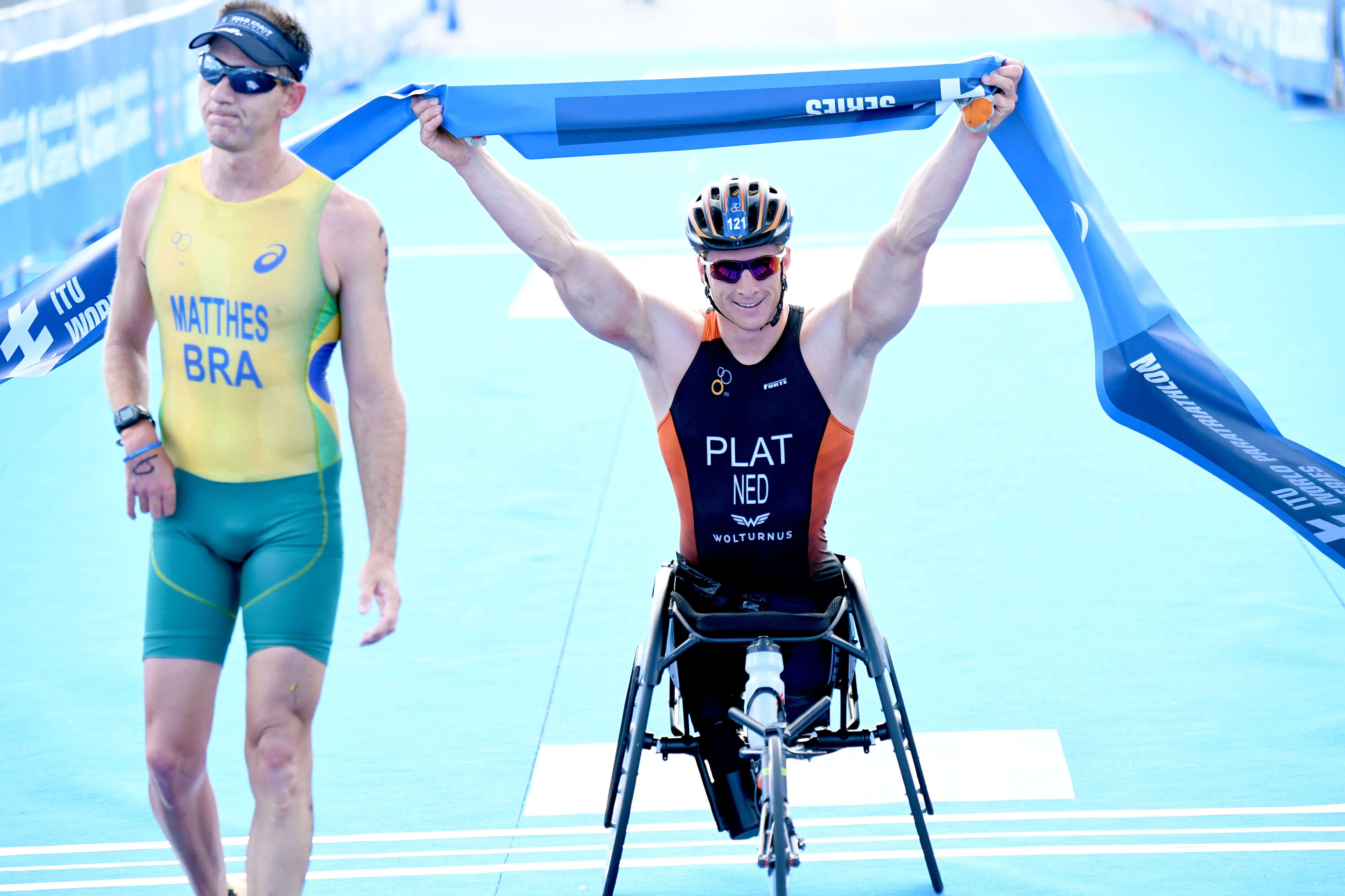 Jetze Plat wins in gold coast