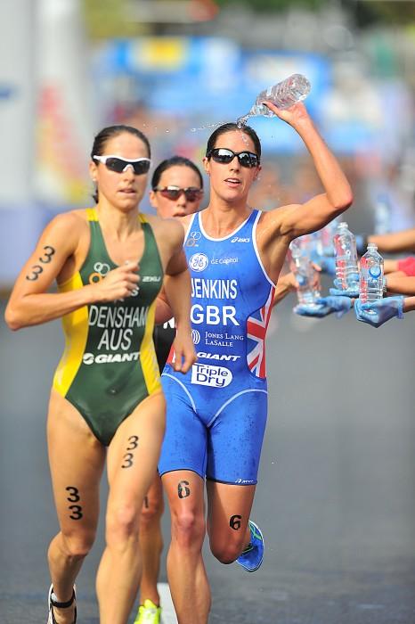 Are similar Hot girls doing triathlons