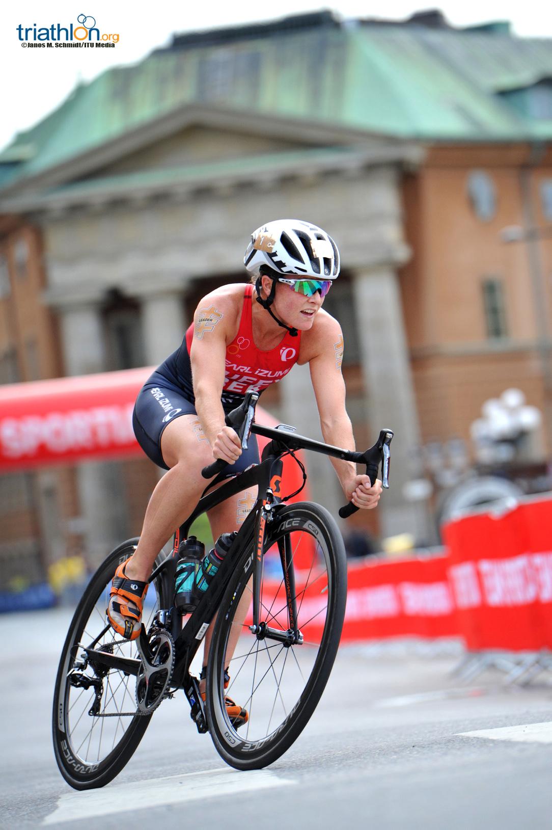 Flora Duffy biking in stockholm